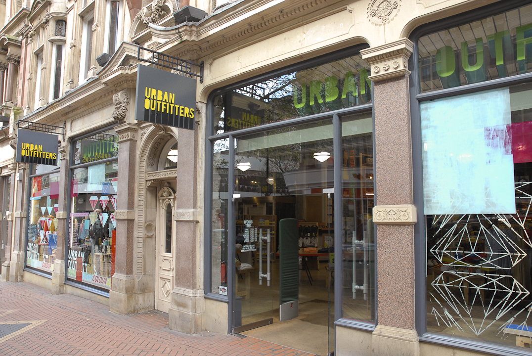 Urban Outfitters - Opening Hours - S3-9200, boul Leduc