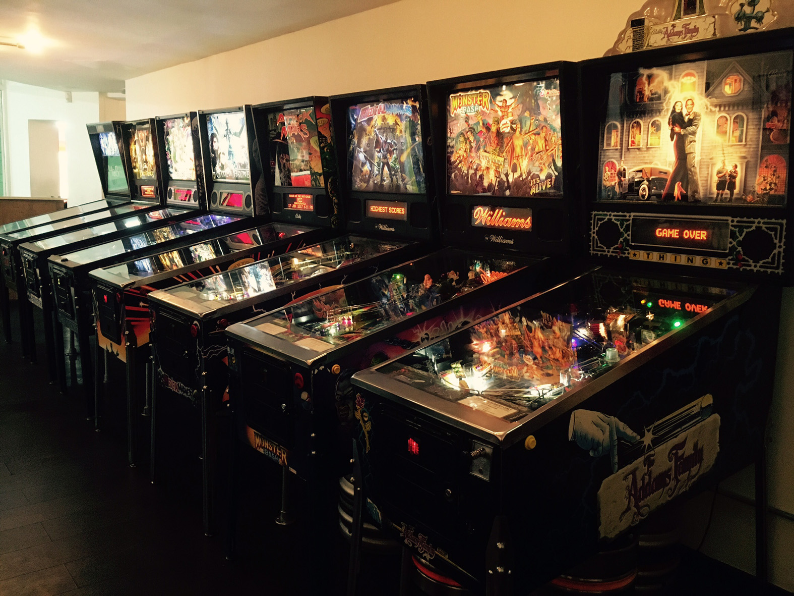 Tilt pinball machines